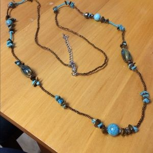 Jewelry - Turquoise stones and glass bead necklace.